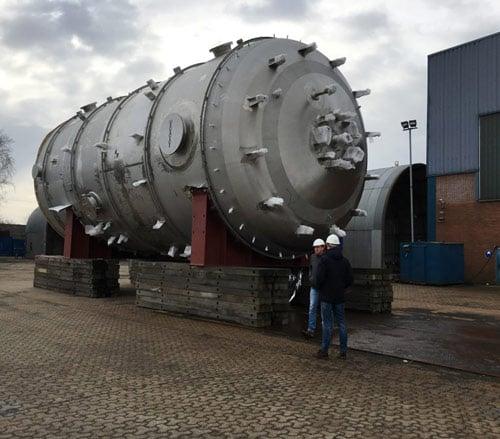 Großer Tank